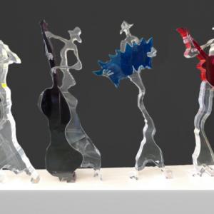 galleria-arte-michelangelo-del-brocco-mikala-opere-contemporanee-scultura-artista-plexiglass-moderno-italiano- opera-valore-collezione-collezionisti-gruppo-musicale-sassofono-sax-contrabbasso-fisarmonica-chitarra